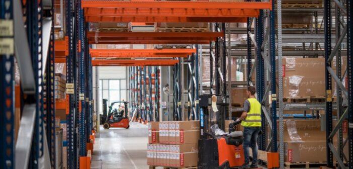 Velux suit et trace ses flux logistiques entre usines et dépôts